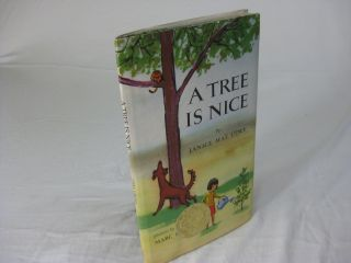 A TREE IS NICE. Janice May Udry